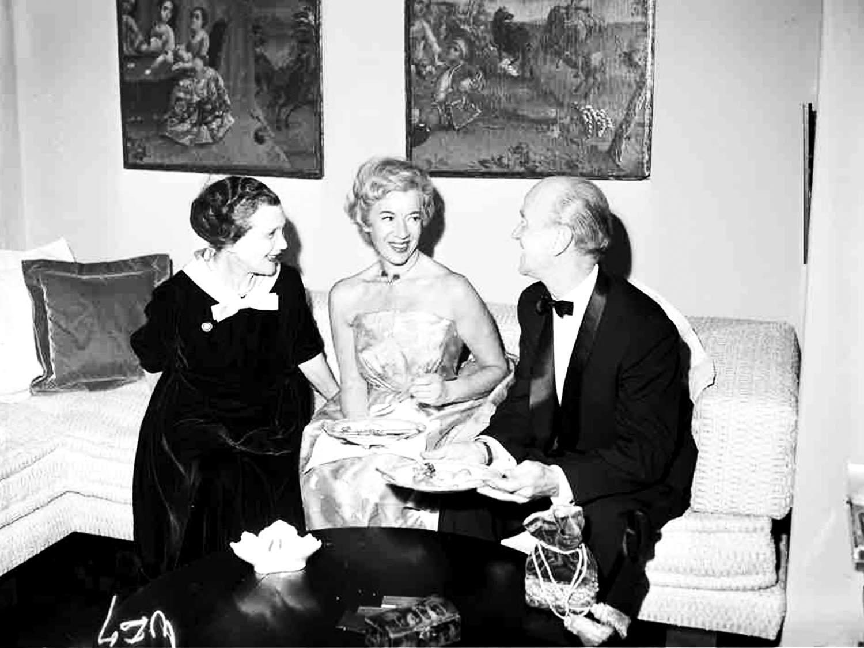 Jetta op een dinnerfest – 1956